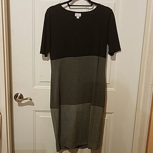 Lularoe medium black and gray Julia